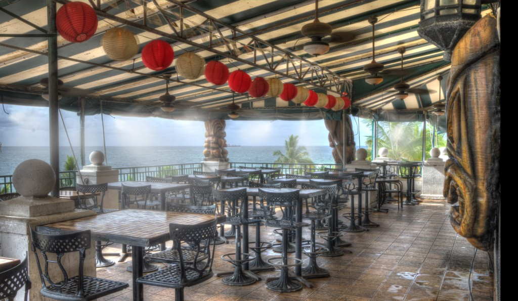 This misting system uses the prevailing winds to distribute the cool air throughout the dining area. Misting Direct brand equipment was used for this installation.